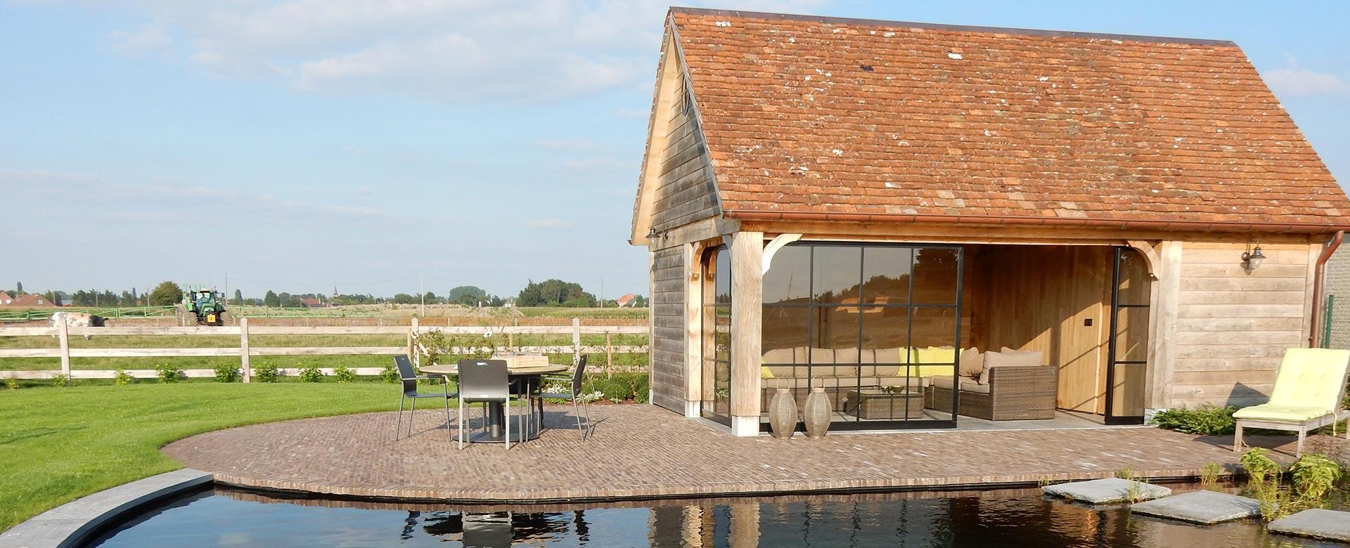 Carports houten bijgebouwen en moderne tuinhuizen op maat for Bijgebouw tuin