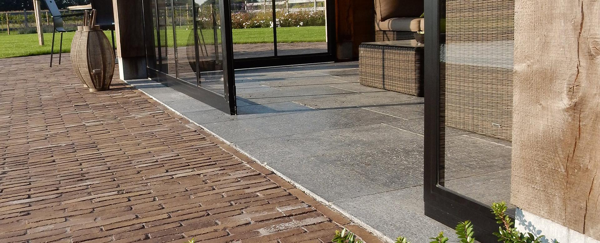 aanleg terrassen en opritten terrassen in natuursteen. Black Bedroom Furniture Sets. Home Design Ideas