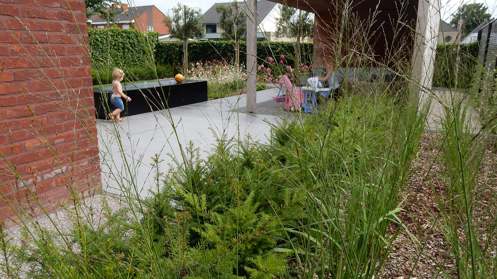 Strakke tuin met weinig onderhoud for Aanleg kleine tuin