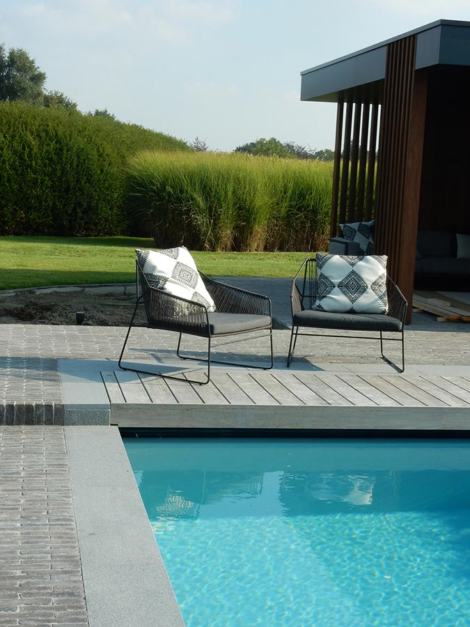 Strak poolhouse en tuinaanleg rond bestaand zwembad aaleg terras en paden in kleiklinkers - Ontwikkeling rond het zwembad ...